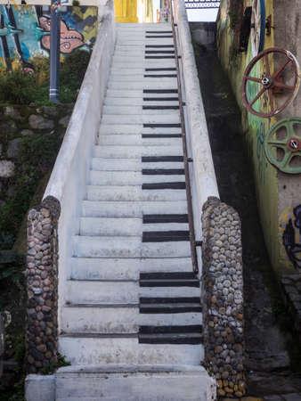 VALPARAISO, CHILE - june 2, 2017- Piano stairs Valparaiso, Chile Редакционное