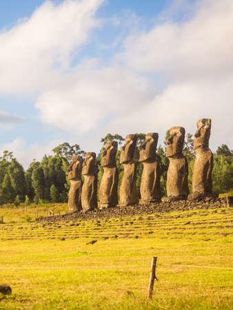 Sunset Seven moai of Ahu Akivi, Easter Island, Chile Archivio Fotografico