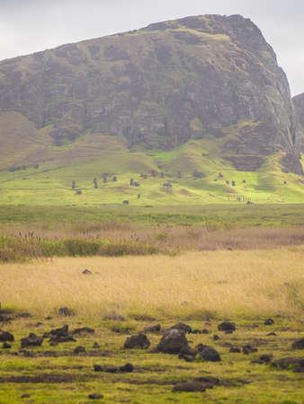 Rano Raraku volcano, the quarry of the moai with many uncompleted statues. Rapa Nui National Park, Easter Island, Chile. Archivio Fotografico