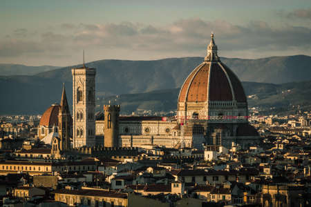 View of Florence from Piazzale de Michelangelo during sunset with the Florence Cathedral Archivio Fotografico