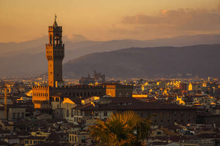 View of Florence from Piazzale de Michelangelo during sunset with the Palazzo Vecchio Archivio Fotografico