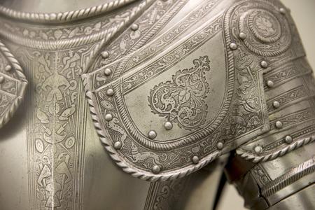 Detalle de una armadura medieval europeo