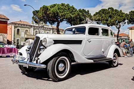 vincoli: old american car Studebaker President (1935) at rally for classic cars  raduno auto e moto d epoca San Pietro in Vincoli on April 28, 2013 in San Pietro in Vincoli, Ravenna, Italy Editorial