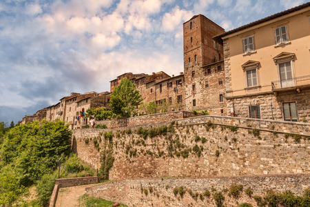 Colle di Val d Elsa, Siena, Tuscany, Italy  View of the medieval town with city walls on the tuscan with city walls Stock Photo - 29174564