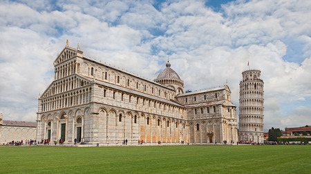 piazza dei miracoli: PISA, ITALY - APRIL 18: the medieval cathedral and the leaning tower in the Square of Miracles (Piazza dei Miracoli), one of the main italian landmark. Photo taken on April 18, 2015 in Pisa, Tuscany, Italy Editorial