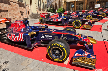 formula one racing: Formula One racing cars of the Italian team Toro Rosso exposed during Trofeo Lorenzo Bandini meeting dedicated to the great Italian Formula One driver of the 60s. July 17, 2016 in Brisighella, RA, Italy