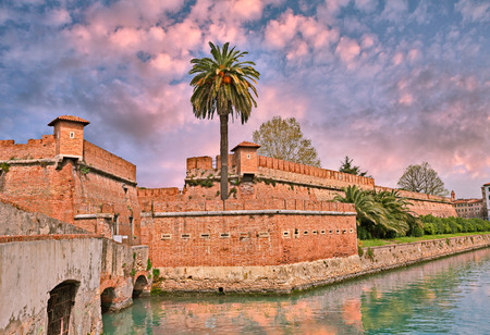 navigable: Livorno (Leghorn), Tuscany, Italy: the old fortress Fortezza Nuova surrounded by a navigable moat, It was built to defend the city from attack by pirates.