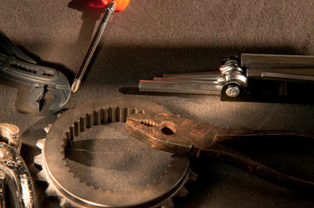 mechanical parts: instruments, tools and clutch to perform work on mechanical parts