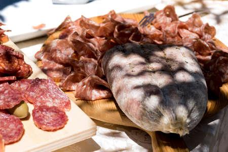 reach of the kitchen of typical Italian cold cuts, pork: salciccia , prosciutto , salami Imagens