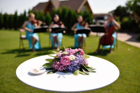 Flowers and music for honeymooners