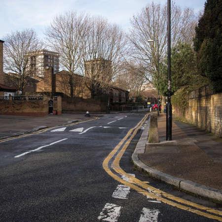 LONDON - January 7, 2020: Neighborhood of East London. Desert streets in winter. Stockfoto