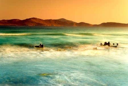 encrespado: Aegian agitado mar