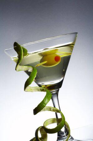 verm�: Habida cuenta de cristal de martini con vermut y la curvatura de la c�scara de lima