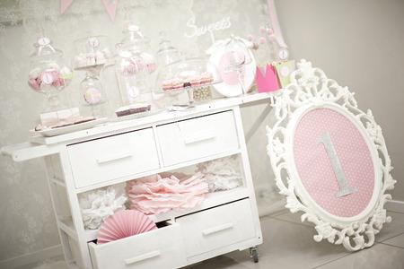 ピンクのキャンディー ・ バー。休日テーブルの装飾