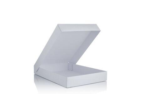 ouvrir la boîte en carton de maquette vierge blanche isolée sur fond blanc. boîte à pizza en carton vierge Banque d'images