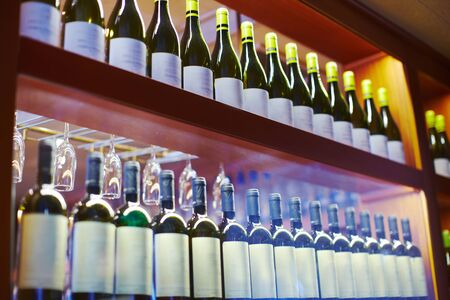 Detail of equipped bar with drinks, champagne, vine, beer, glasses 版權商用圖片
