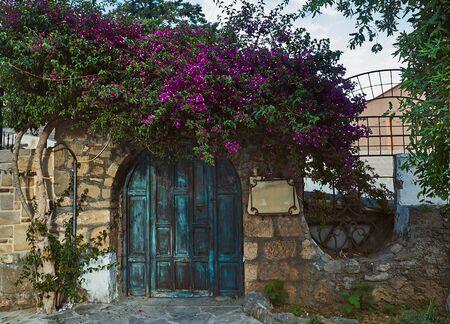Mediterranean old hystorical city views Side Turkey blooming begonville 版權商用圖片