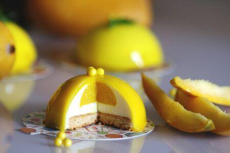 Melon and lemon mousse cakes