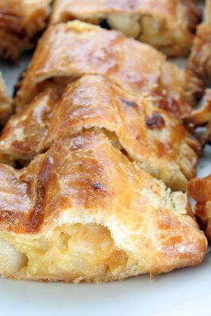strudel: Apfelstrudel or strudel cake pastry bakery