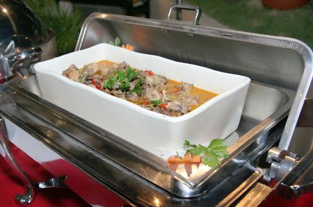 chafing dish: food in chafing dish at buffet