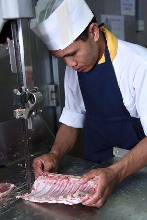 carnicero: de trabajo en la cocina de carnicero