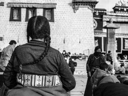 cloister: The Jokhang Temple worship of Tibetans
