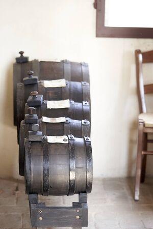barrels for the aging of vinegar