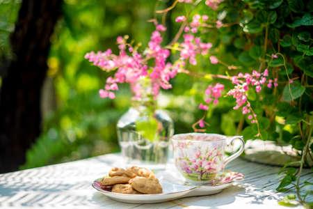 comida inglesa: té Inglés en el jardín Foto de archivo