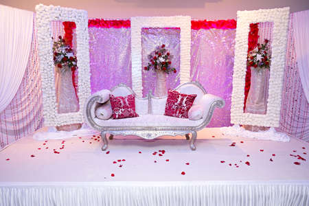 themed: red themed wedding stage