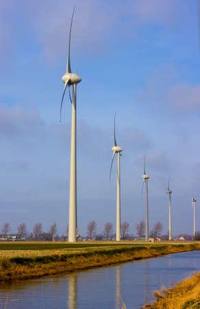 dynamo: Windturbine with water
