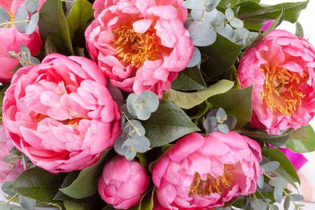 aniversario: Incre�ble ramo de piones rosado del primer Foto de archivo