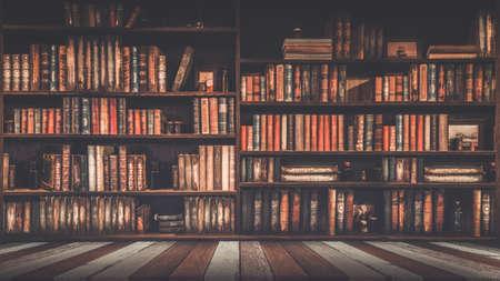 verschwommenes Bücherregal Viele alte Bücher in einem Buchladen oder einer Bibliothek