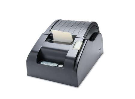 Büroausstattung, Ein Kassenbondrucker, der eine Quittung auf weißem Hintergrund druckt