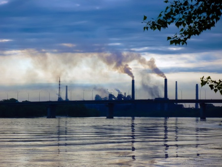 industrial landscape: paesaggio industriale in serata