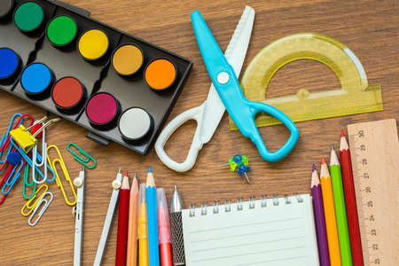 School and office equipment. Colorful stationery background. Banque d'images