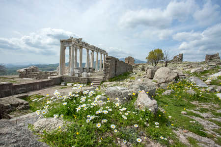 Temple of Trajan in ancient city Pergamon, Bergama, Turkey in a beautiful spring day Imagens