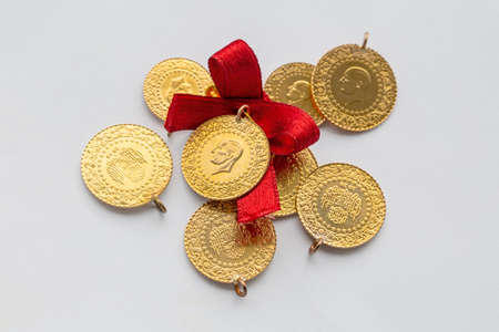 Traditional Turkish gold coins (Turkish name; Ceyrek altin) 免版税图像