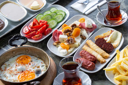 Traditional delicious Turkish breakfast 免版税图像