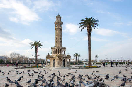 Izmir / Turkey, 20 December 2018, Izmir Old Clock Tower, Konak Square 免版税图像 - 158643757