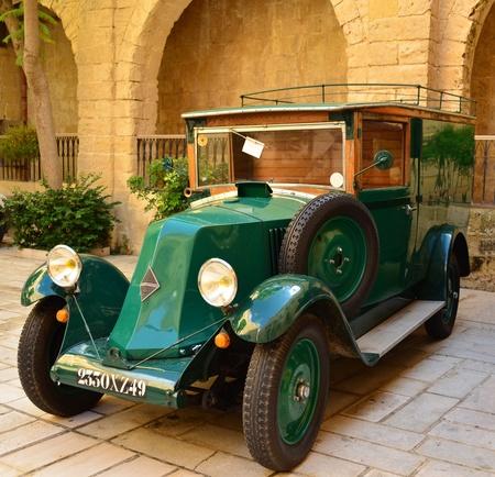 collectibles: Vintage car