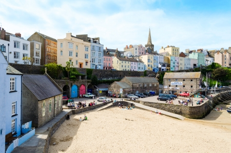 tenby wales: View of colourfully painted houses in Tenby, Pembrokeshire – Wales, United Kingdom