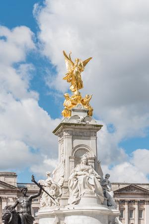 prestigious: Victoria Memorial in front of Buckingham Palace in London, UK