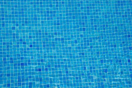 aqua blauen Fliesen Unterwasser Pool Hintergrund Lizenzfreie Bilder