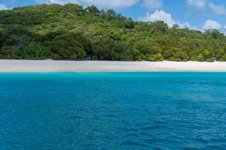 whitehaven beach: Beautiful Australian beach. Whitehaven beach with silica white sand and turquoise waters on calm summer day. Queensland, Australia