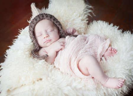 recien nacido: lindo beb� reci�n nacido de 15 d�as, para dormir