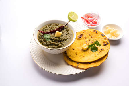 Sarson Ka Saag Makki Ki Roti popular north indian main course menu usually prepared in winter season Archivio Fotografico