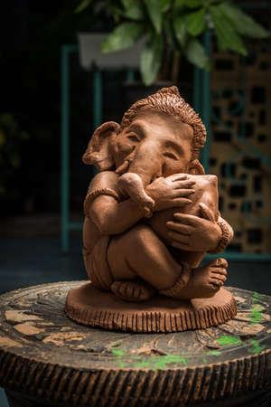 Home made eco friendly ganesha or ganpati idol for ganesh Chaturthi or festival Stockfoto