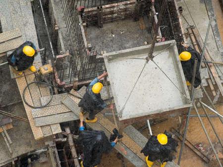 veiligheid bouw: Gele Hard Hats
