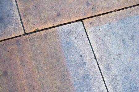 Dalles humides colorés et marqués d'arêtes diagonales Banque d'images