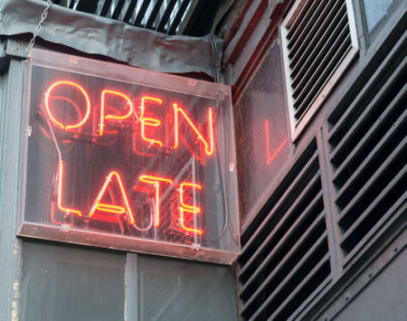 Rood Neon Open Late Sign